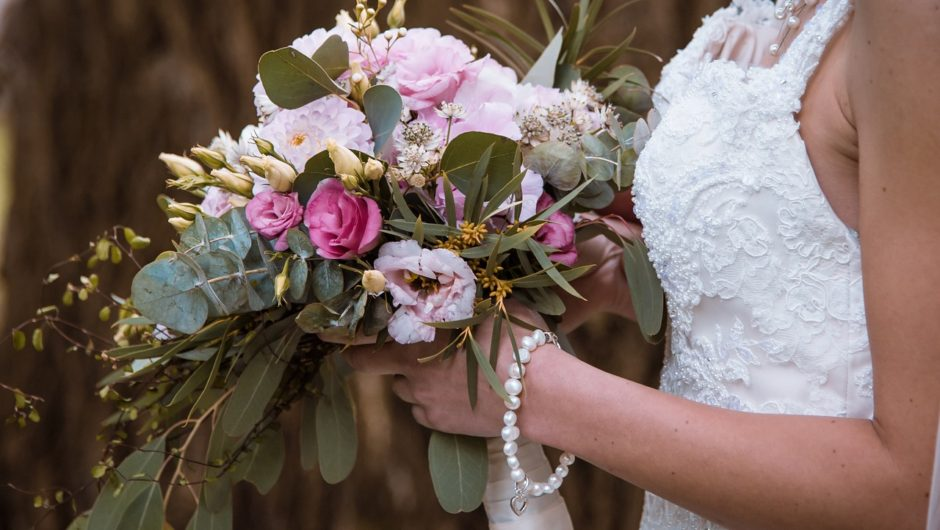 Five Reasons To Have Artificial Wedding Flowers On Your Big Day – And It's Not Just About The Price Tag!