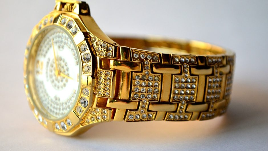 Fashionable Accessories for Women and Men-Luxury Diamond Watches
